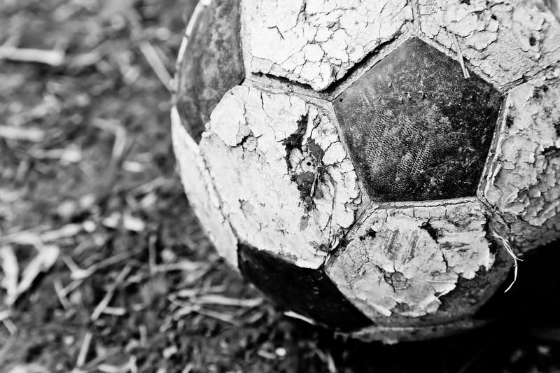 古ぼけたサッカーボール